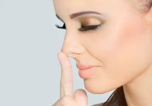 những biến chứng sau nâng mũi